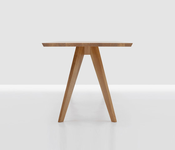 Cena square by Zeitraum | Cafeteria tables