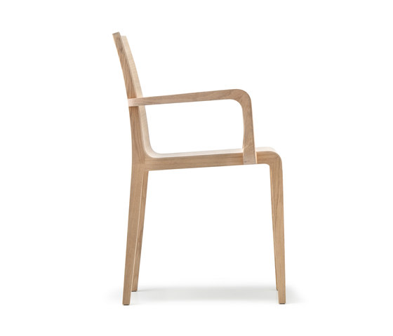 Young 425 by PEDRALI | Restaurant chairs