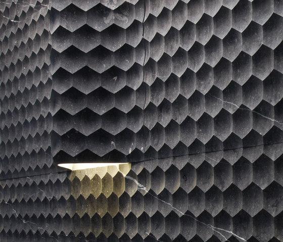 Le Pietre Incise | Favo curve luce di Lithos Design | Lastre