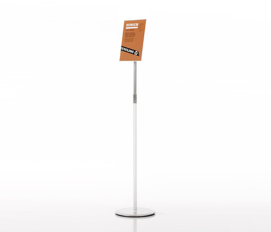 Menfis by Planning Sisplamo | Display stands