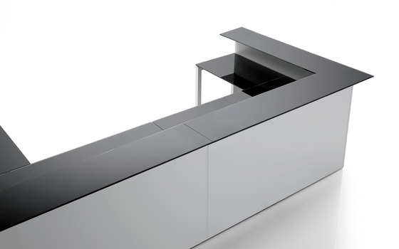 F25 by Forma 5 | Reception desks