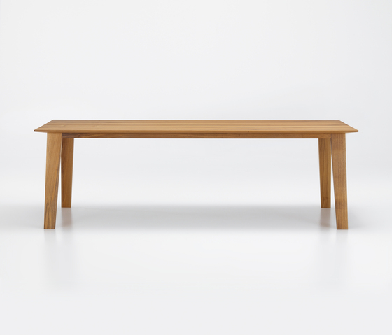 KAI Table by Girsberger | Restaurant tables