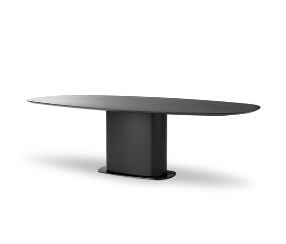 Indus Dining table by Leolux | Dining tables