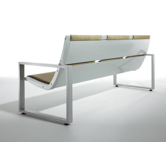 Rail System by Forma 5 | Waiting area benches