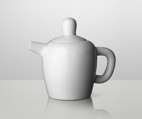Bulky Tea Pot by Muuto | Dinnerware