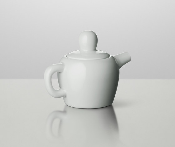 Bulky Milk Jug by Muuto | Dinnerware