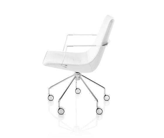 Comet Chair de Lammhults   Sillas