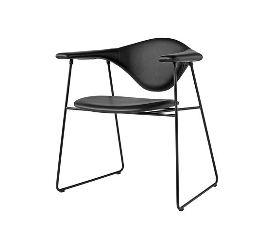 Masculo Sledge Chair by GUBI | Restaurant chairs