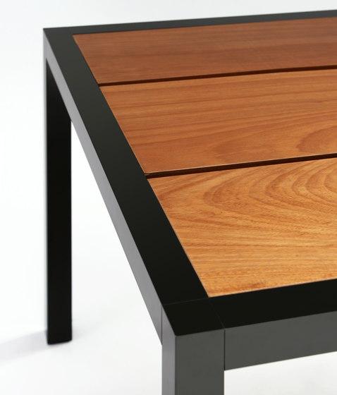Lamola Wood di Richard Ábedu | Tavoli ristorante