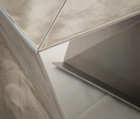 aluFold by xbritt moebel | Poufs