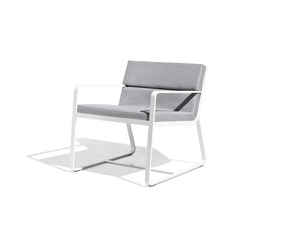 Sit low armchair white by Bivaq | Garden armchairs