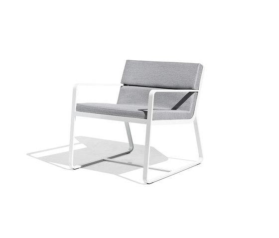 Sit low armchair white de Bivaq | Fauteuils de jardin