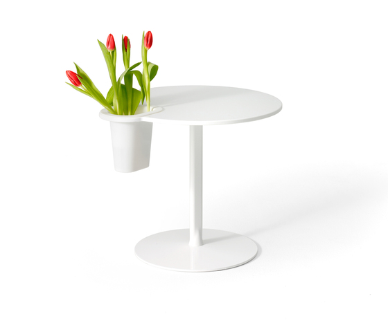 Grip Vase by OFFECCT | Side tables