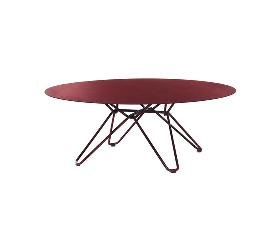 Tio Circular Coffee Table Metal de Massproductions | Mesas de centro de jardín