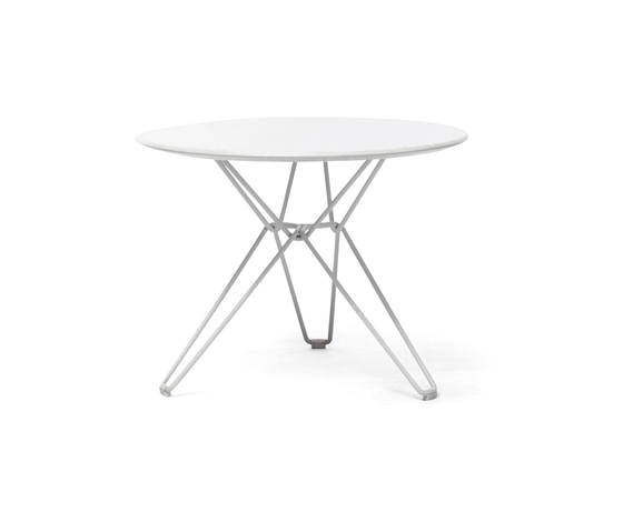 Tio Circular Low Table Laminate di Massproductions | Tavoli bassi da giardino