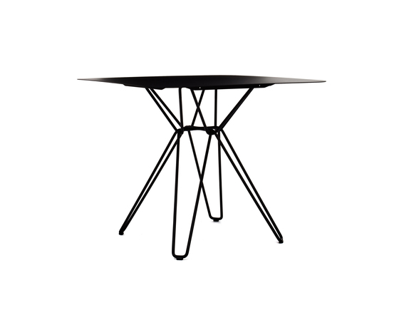 Tio Square Dining Table Metal de Massproductions | Tables de restaurant