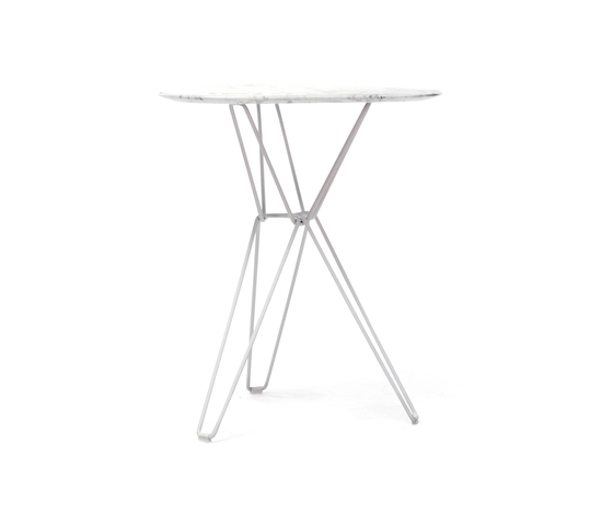 Tio Triangular Café Table Marble by Massproductions | Cafeteria tables