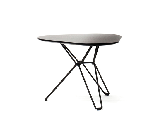 Tio Triangular Low Table Laminate by Massproductions | Side tables