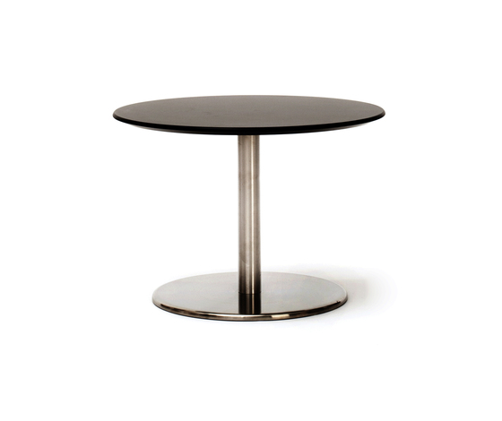Odette Low Table Round Laminate di Massproductions | Tavolini di servizio