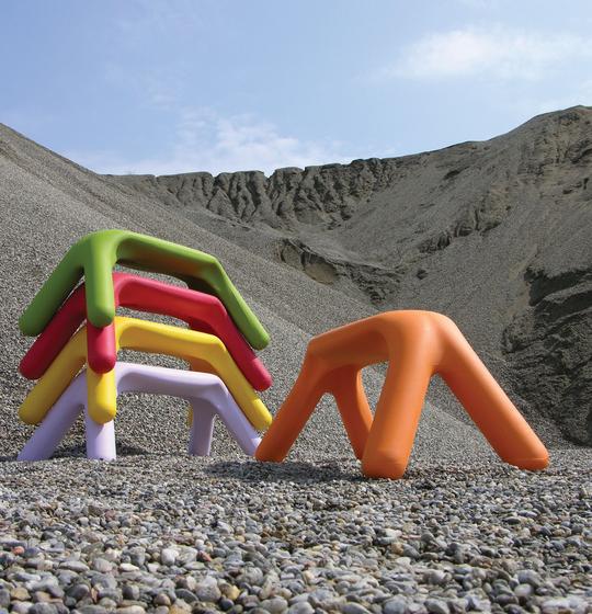 Atlas by Slide | Garden benches