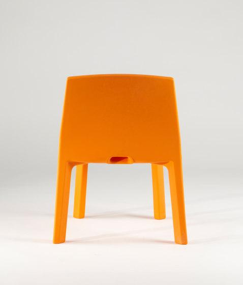 Q4 by Slide | Restaurant chairs
