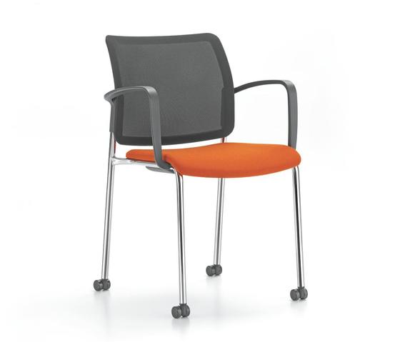 YANOS 4-legged chair di Girsberger | Sedie visitatori
