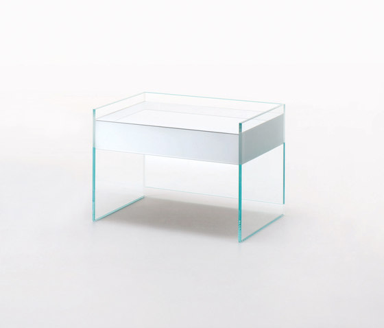Float by Glas Italia | Night stands