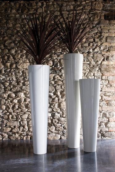 Narnya by De Castelli | Flowerpots / Planters