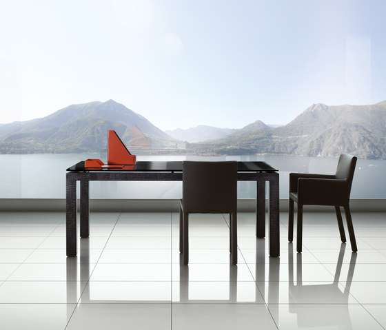 Abaco Table by Enrico Pellizzoni | Restaurant tables