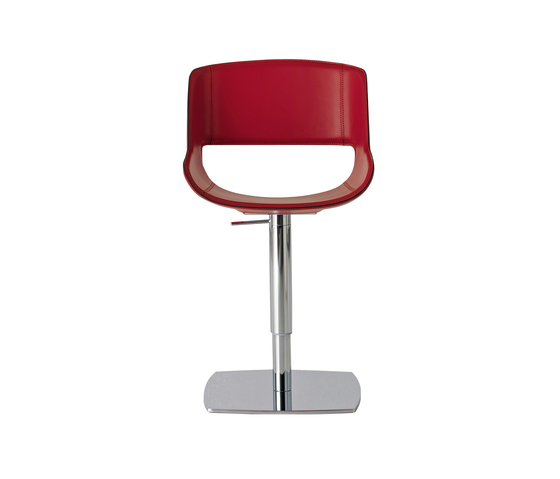 Amaranta Swivel chair by Enrico Pellizzoni | Chairs