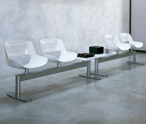 Amaranta Waiting Area by Enrico Pellizzoni | Beam / traverse seating