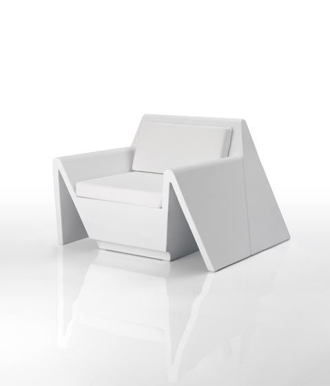 Rest armchair by Vondom | Garden armchairs