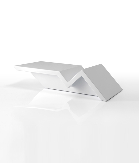 Rest table by Vondom | Side tables