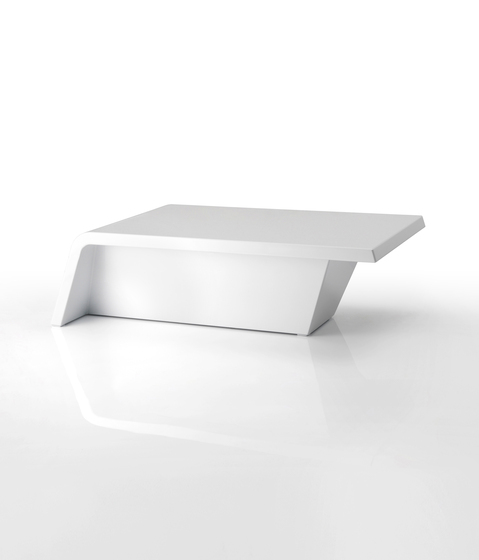 Rest table by Vondom | Coffee tables