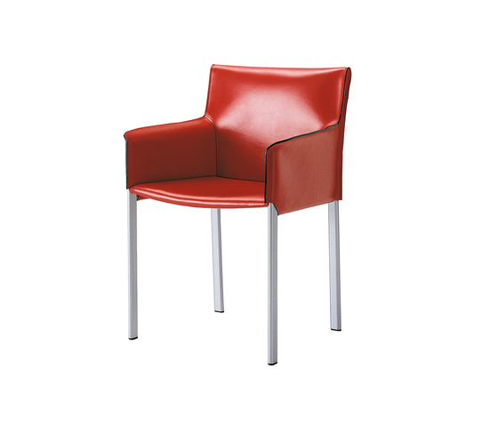 Bilbao Armchair by Enrico Pellizzoni | Restaurant chairs