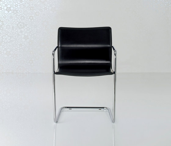 Lybra Chair by Enrico Pellizzoni | Visitors chairs / Side chairs