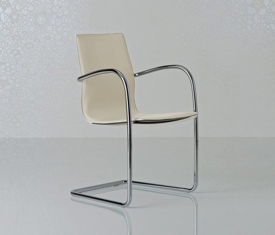 Micad Chair by Enrico Pellizzoni | Visitors chairs / Side chairs