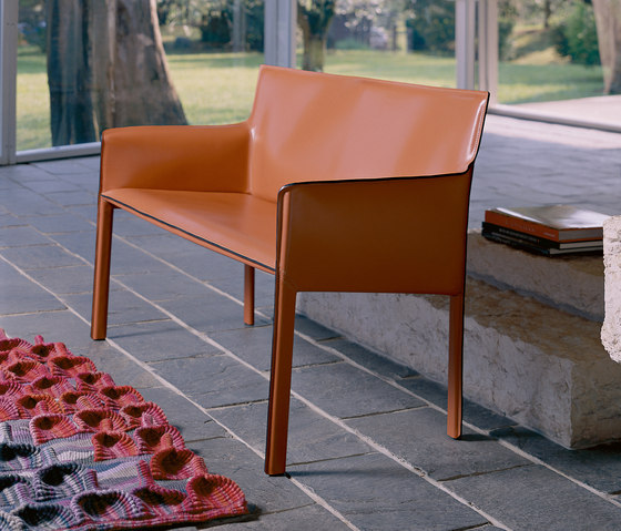 Pasqualina Relax Small Sofa by Enrico Pellizzoni | Upholstered benches