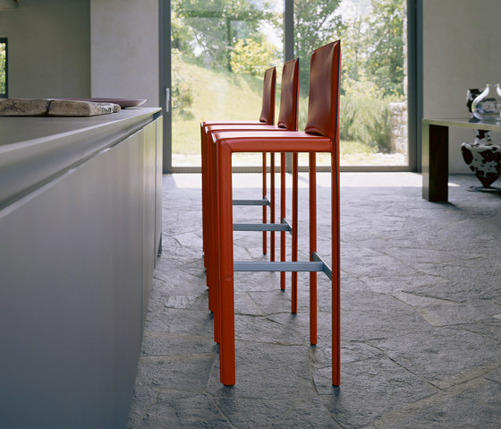 Pasqualina Stool Bar Stools From Enrico Pellizzoni