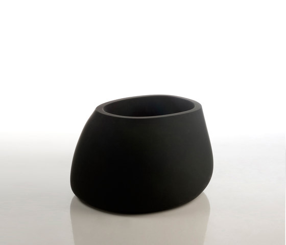 Stone pot von Vondom | Pflanzgefäße