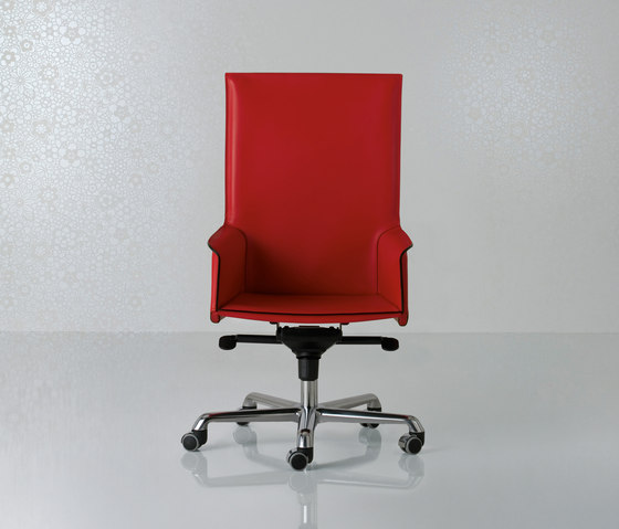 Pasqualina Swivel armchair high back by Enrico Pellizzoni | Management chairs