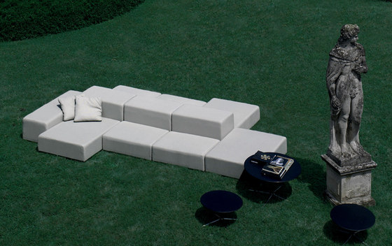 Extra Wall Out by Living Divani | Garden sofas