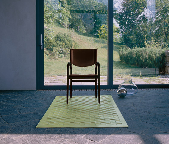 Woven carpet by Enrico Pellizzoni | Rugs