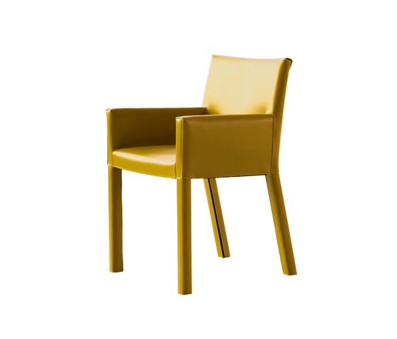 Trama Armchair by Enrico Pellizzoni | Restaurant chairs