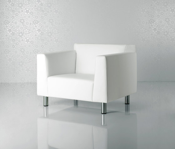 Valeo Armchair by Enrico Pellizzoni | Lounge chairs