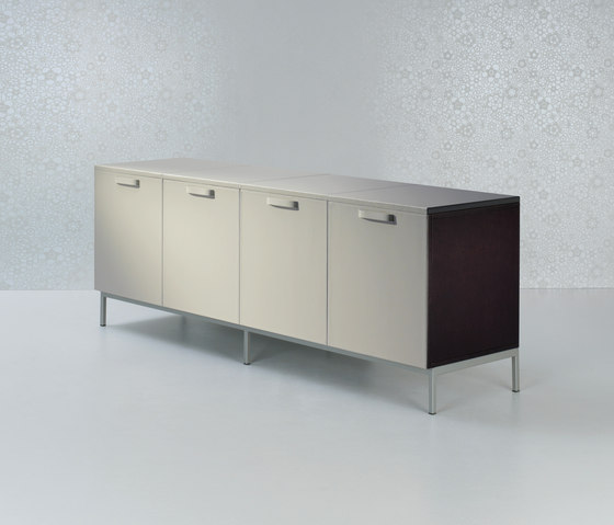 Valeo Storage units low by Enrico Pellizzoni | Cabinets
