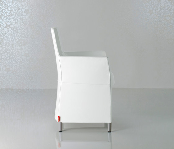 Web Armchair Longue by Enrico Pellizzoni | Visitors chairs / Side chairs