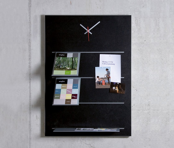 Slide 4 pin board incl. watch by Serafini | Brochure / Magazine display stands