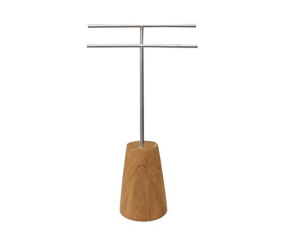 Tiera Living Hanger von Deesawat | Standgarderoben