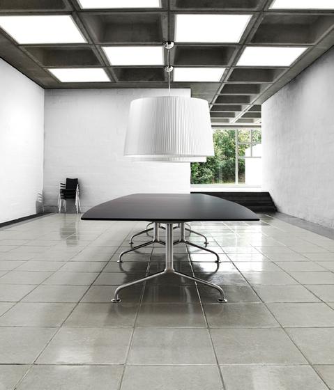 Ono Meeting X de Randers+Radius | Tables de conférence